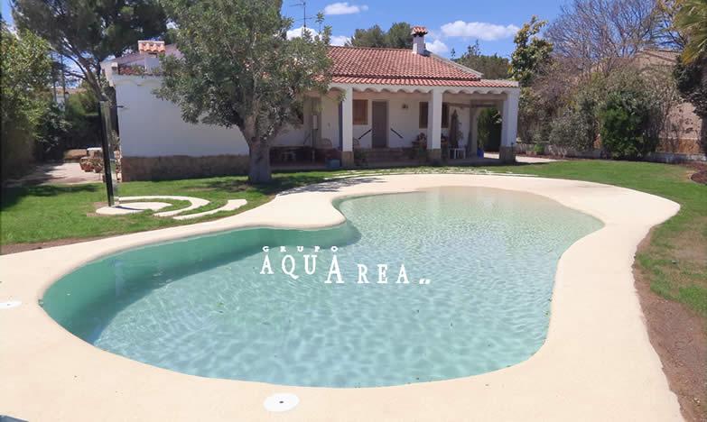 Piscina agua cristalina grupo aquarea for Agua piscina