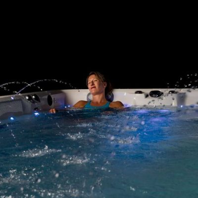 Relajandose con fuentes en swimspa